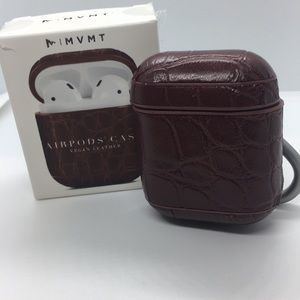 AIRPODS CASE in Brown w/Carabiner & Charging Port